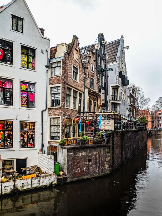 Amsterdam De Wallen canal houses