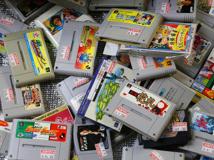 Pile of Japanese Super Famicom game cartridges