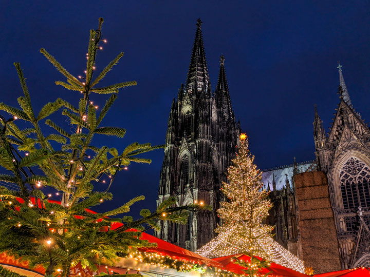 Cologne Cathedral and Christmas markets in Germany by train