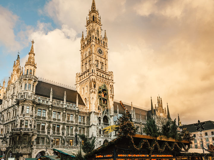 Sunset at the Munich Germany Christmas market in front of Rathaus