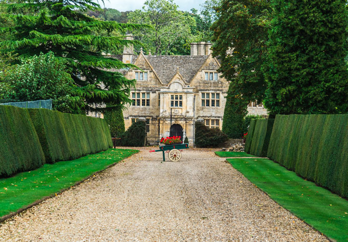 Upper Slaughter Manor, a must-see on a Cotswolds day trip itinerary