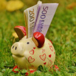 Piggybank to grow your vacation fund