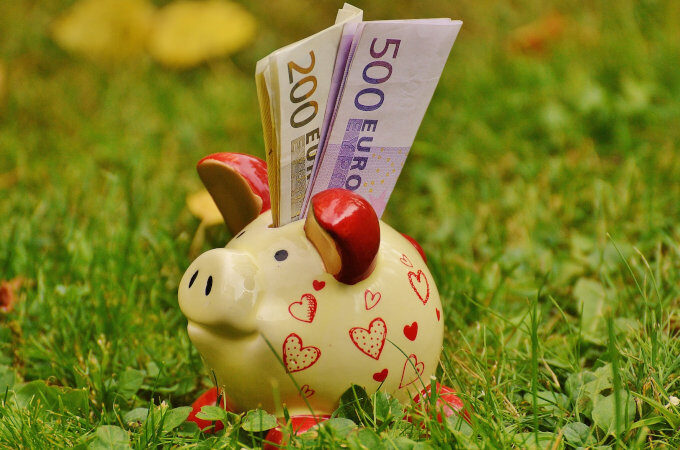 Piggybank to grow your vacation fund