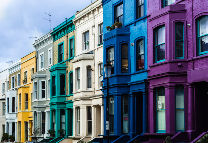 Colorful houses in Notting Hill, an essential stop on the 4 day London itinerary