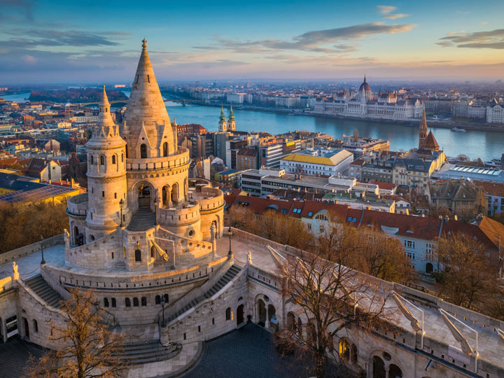 Sunrise view over Budapest river and Fisherman's Bastion tower