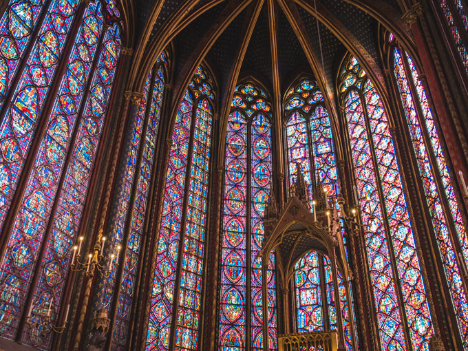 Sainte-Chapelle stained glass windows: a must see in Paris in 4 days