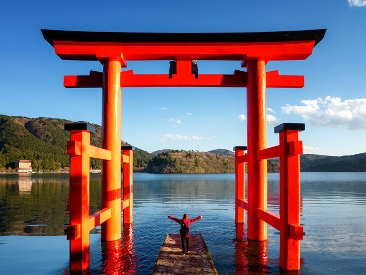 Floating torii gate in Hakone lake, a popular place to visit between Tokyo and Kyoto