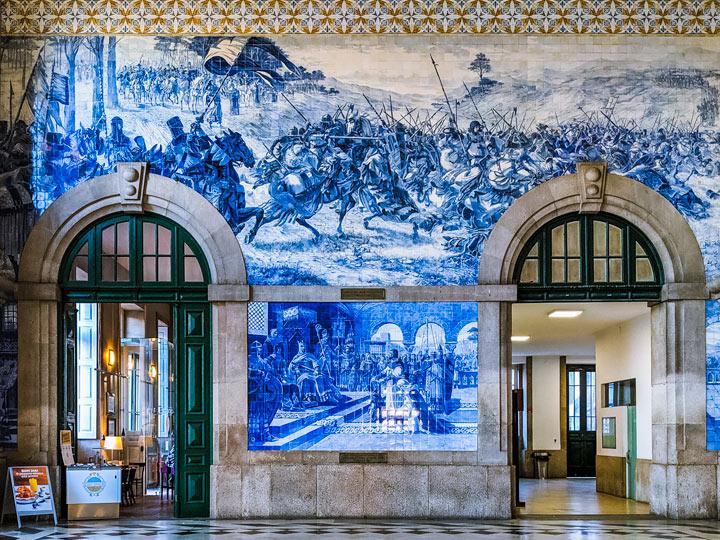 Azulejo tiles in Sao Bento station, an essential Porto itinerary stop