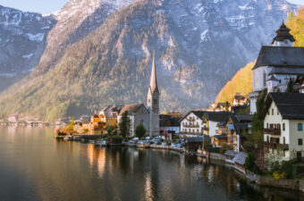 Salzburg to Hallstatt day trip itinerary - panoramic view of Hallstatt village