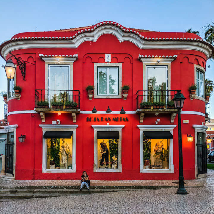 Shopping at square red building, one of the best things to do in Cascais